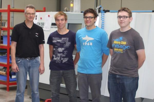 Ausbildungsbeginn für drei angehende Industriemechaniker